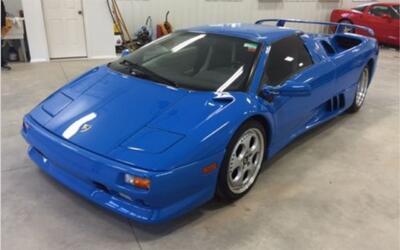 El Lamborghini DIablo VT Roadster 1997 no alcanzó la reserva esta...