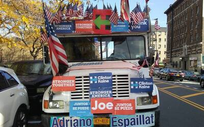 """""""La Ñoña"""" es la carroza de campaña para los legisladores demóc..."""