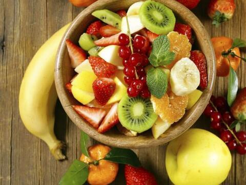 Primavera (marzo, abril y mayo): Frutas: manzana, albaricoque, pl&aacute...