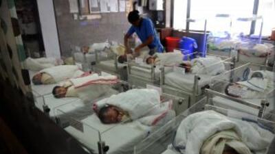 En Ecuador investigan la muerte de recién nacidos por una misteriosa bac...