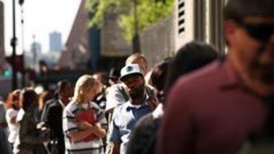Baja en 6 mil la cifra semanal de solicitudes de subsidio por desempleo...