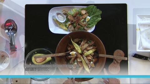 Ensalada Ranch con Bistec empanado de Pollo Premium La Aguadillana