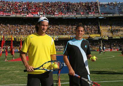Carlos Moyá (amarillo) y Gastón Gaudio eran los rivales en turno es este...