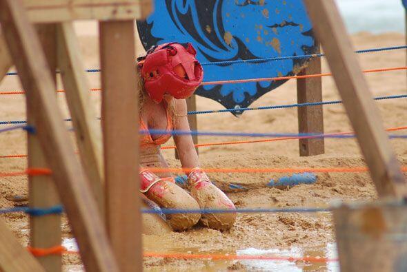 La imagen de la derrota. Alejandra cayó de rodillas al saber que...