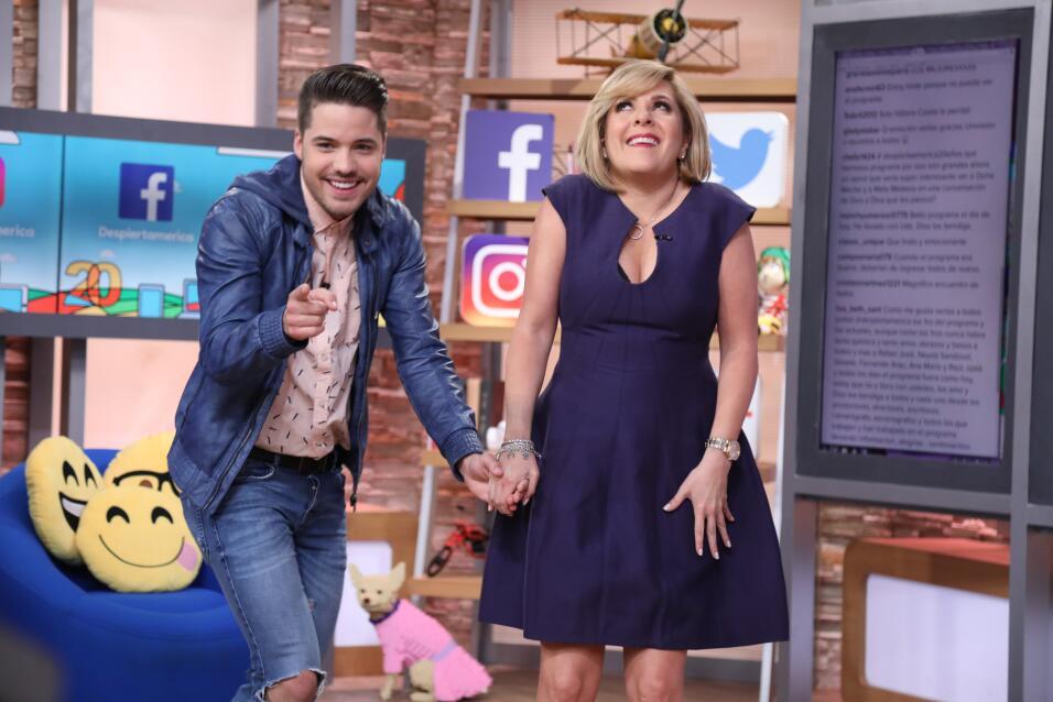 William Valdes le dio la bienvenida en su rincón a Ana María Canseco.