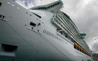 La tripulación del crucero emitió la alerta en la madrugad...