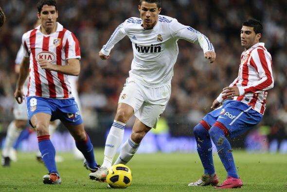 La fecha 10 de la Liga española se engalanó con el 'derby' madrileño, as...