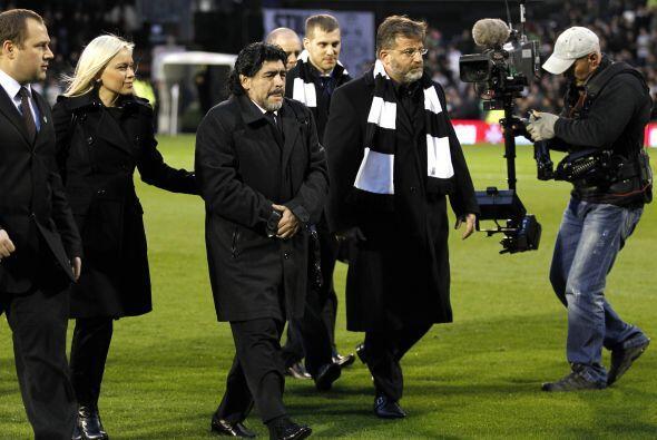 El argentino Diego Armando Maradona estuvo de visita en el estadio.