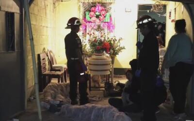 Grupo armado acribilla a balazos a cinco personas en un funeral de Guate...
