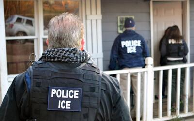 ¿Es obligatorio abrir la puerta de tu casa a autoridades de inmigración?