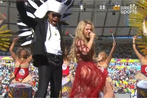 Imágenes de Shakira en el cierre de la Copa Mundial. Mira aquí los video...