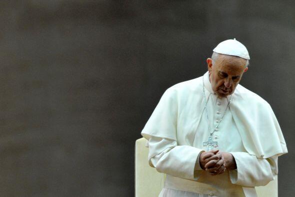"""El papa Francisco reconoció la existencia de un """"lobby gay"""" en El Vatica..."""