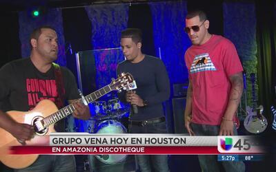 Grupo bachatero Vena en concierto