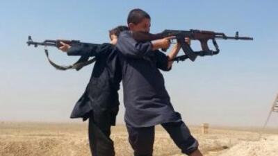 Los niños son entrenados para llevar armas, mantener lugares estratégico...