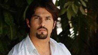 El actor asegura que tiene una relación cordial con Alicia Villarreal as...