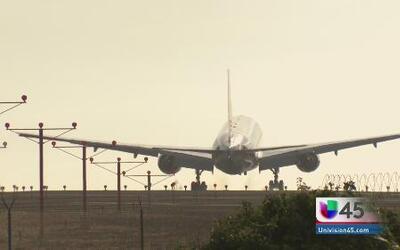 ¿Por qué las aerolíneas cobran más a algunos pasajeros?