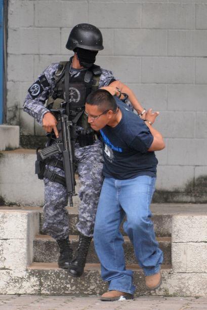 Poveda documentó antes guerras y conflictos sociales en El Salvador y va...