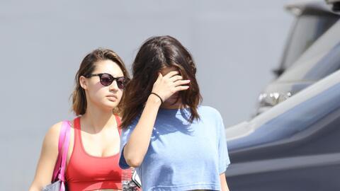 La actriz y cantante Selena Gomez sale de un estudio de Pilates con sus...