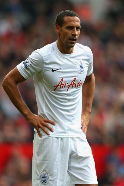 Ferdinand se vio muy mal en defensa al marcar de forma débil a Ro...