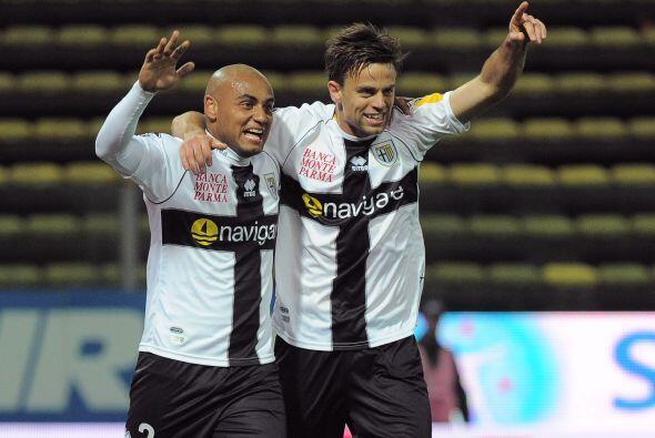 Jonathan redondeó el resultado y Parma ganó por 2-0.