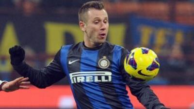 """El Parma dio la """"la bienvenida"""" a Cassano, que usará el número 99."""