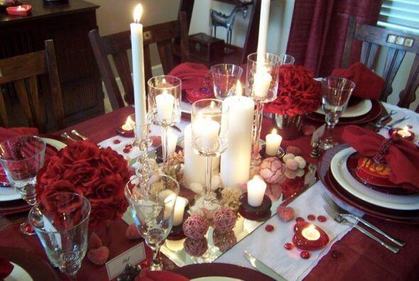 Piensa cómo quieres que luzca tu mesa, cómo la decorarás. Detente y toma...