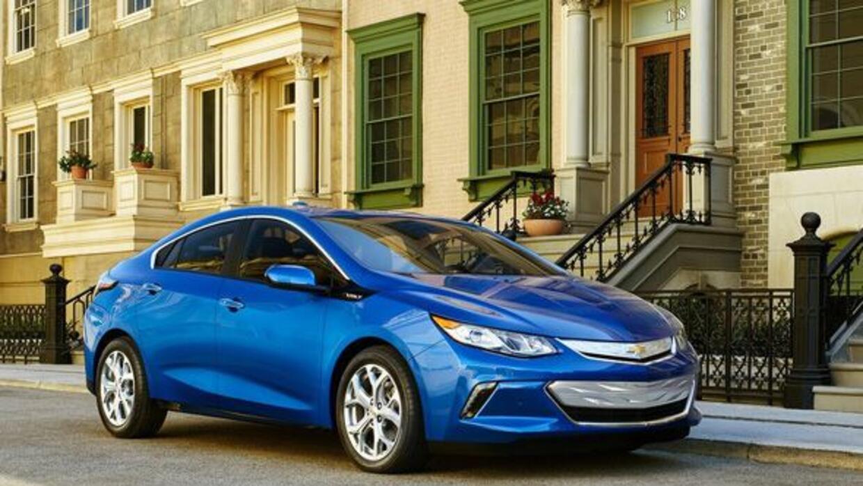 El nuevo Volt cambió su estética y su planta motriz para ofrecer una aut...