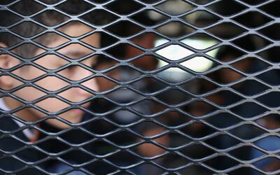 Miles de menores detenidos en la frontera se enfrentan solos a la deport...
