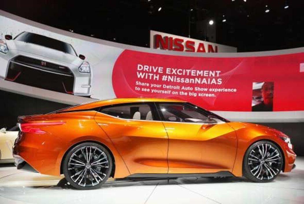 Nissan nos presenta una mirada al futuro con su Sport Sedán Concept.