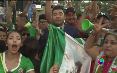 Aficionados mexicanos festejaron el triunfo de la selección en Phoenix