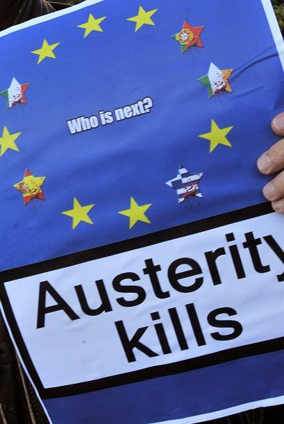 Por su parte, en Italia, decenas de miles de trabajadores salieron hoy a...