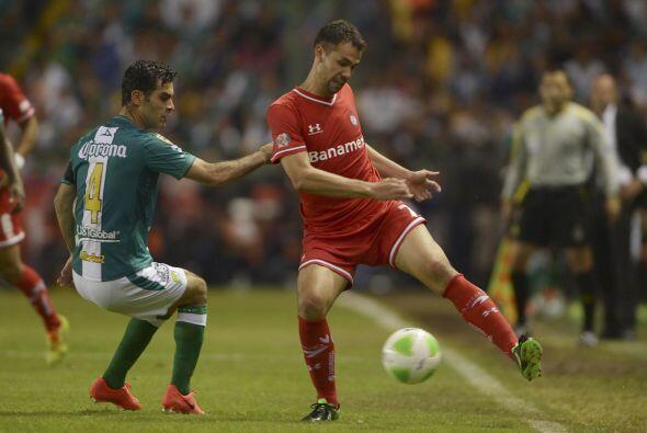 Pablo Velázquez (4): Cuando no hay un jugador que le dé balones el delan...