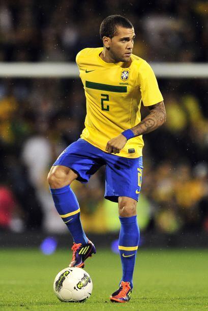 En la misma selección brasileña, Dani le ganó la pa...