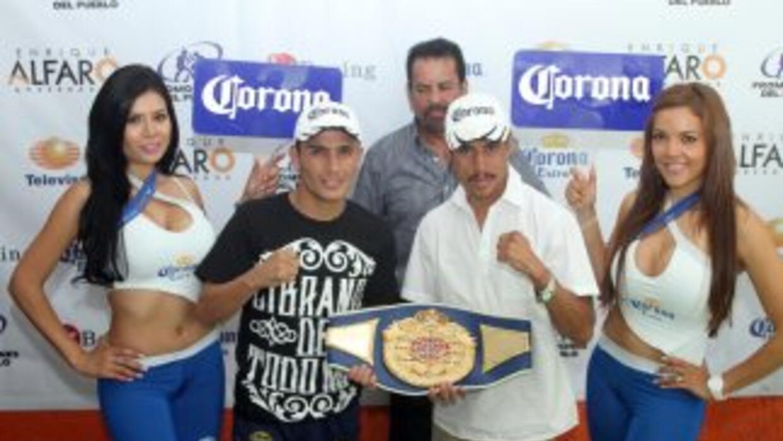 Montes y Zaleta se calentaron en la conferencia de prensa (Foto: HG Boxing)