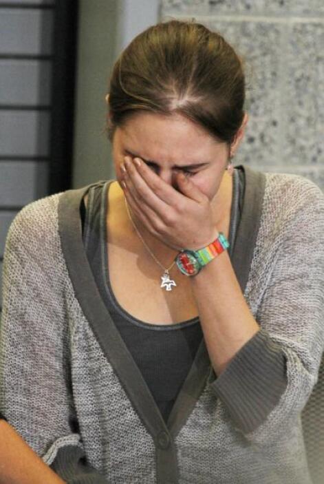 """Amanda Knox dijo estar """"atemorizada y entristecida"""" por el veredicto, qu..."""