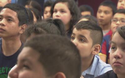 Alumnos de escuela primaria de Nueva Jersey tuvieron su primera experien...