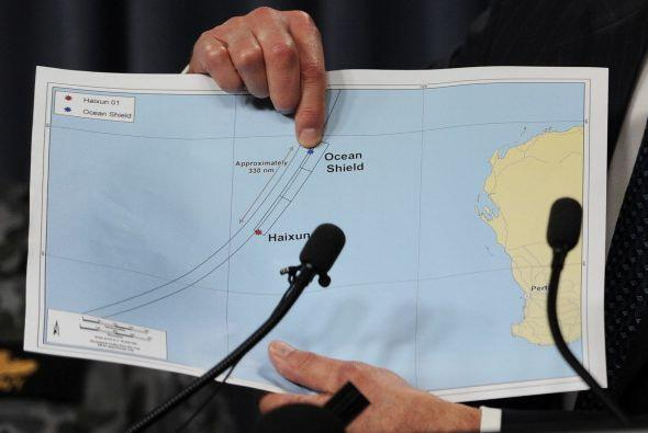 A un mes de la desaparición del avión de Malaysia, la pista del buque au...