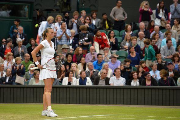 Nuevamente Wimbledon no cede ante las favoritas, ahora la checa Petra Kv...