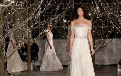 Nunca el vestido de novia ha disfrutado de variedad tan amplia como hoy.