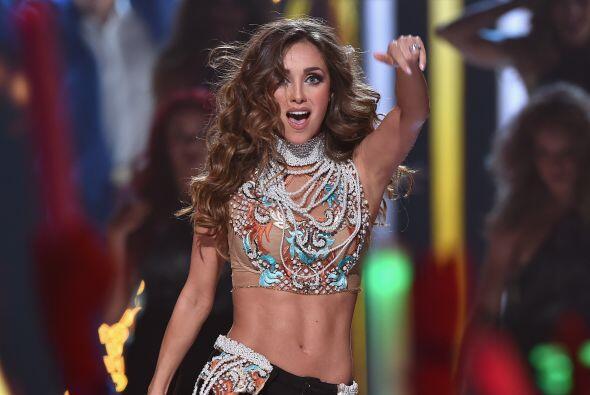 Anahí hizo su regreso triunfal a la música con la canción 'Rumba'.