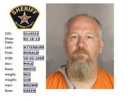Ronald Atterbury (Departamento de Policía de Waco).