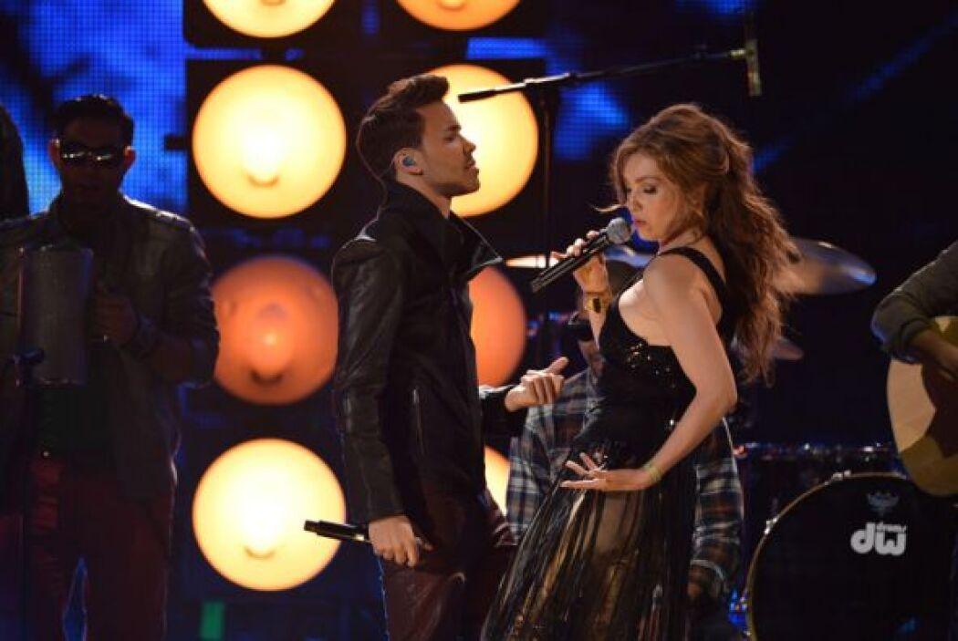 Cantó junto a Prince Royce el tema 'Te Perdiste Mi Amor' .
