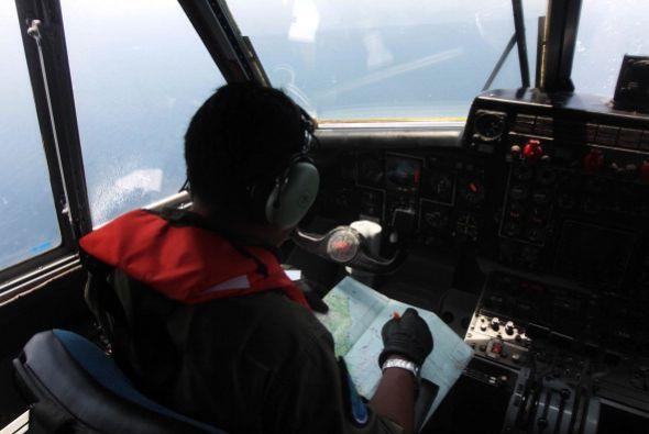 El domingo 23 de marzo, Francia divulgó imágenes satelitales del avión d...