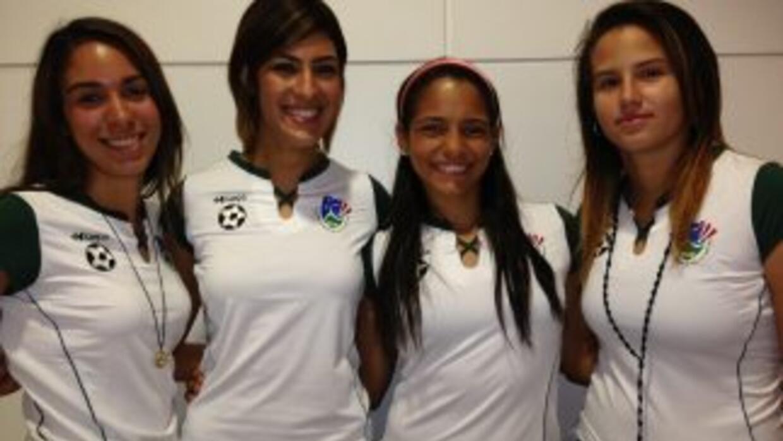 Natalia González, Laura Suárez, María Aquino y Nicole Cruz