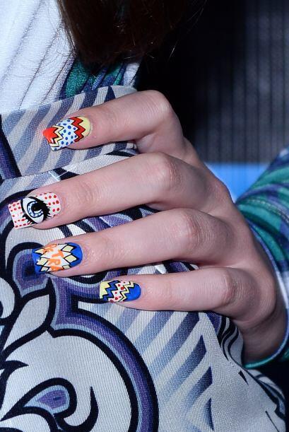 El asombroso 'nail art' al estilo historieta de Hailee Steinfeld. Está i...