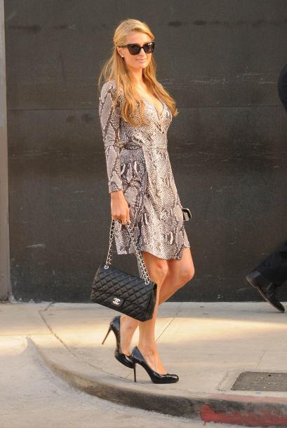 ¡Con  mucho estilo fue como vimos a Paris Hilton! Conforme pasan los año...