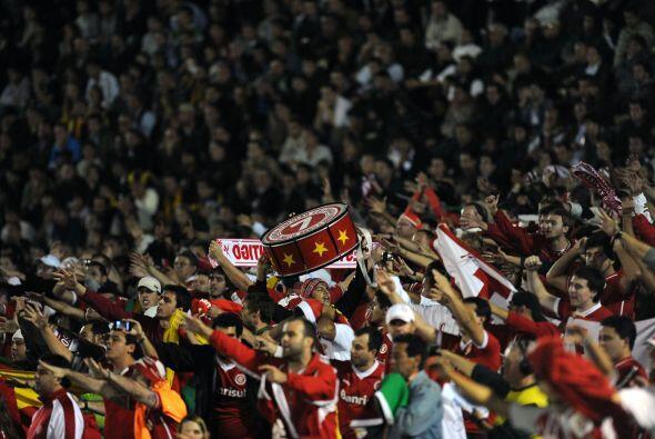 La emoción continúa, los equipos y las hinchadas brasile&n...