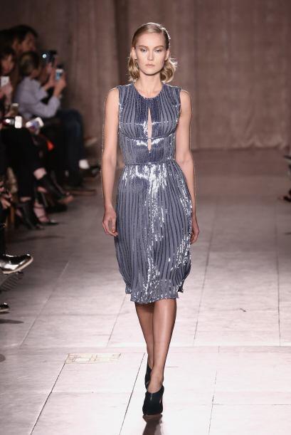 El diseñador Zac Posen nos enamoró con este vestido sencil...