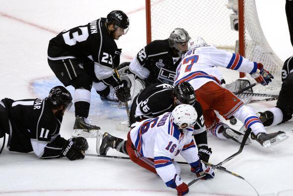 La Copa Stanley enfrentó a dos equipos de esquinas opuestas en lo...