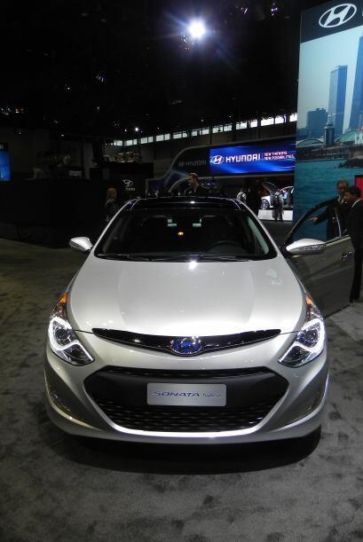 La firma coreana Hyundai presentó la versión híbrida del exitoso Sonata.